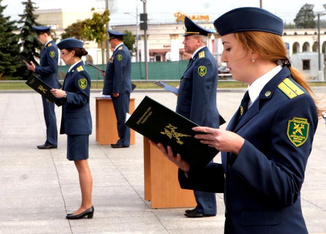 Работа на таможне в беларуси для девушек работа по вемкам в архангельск